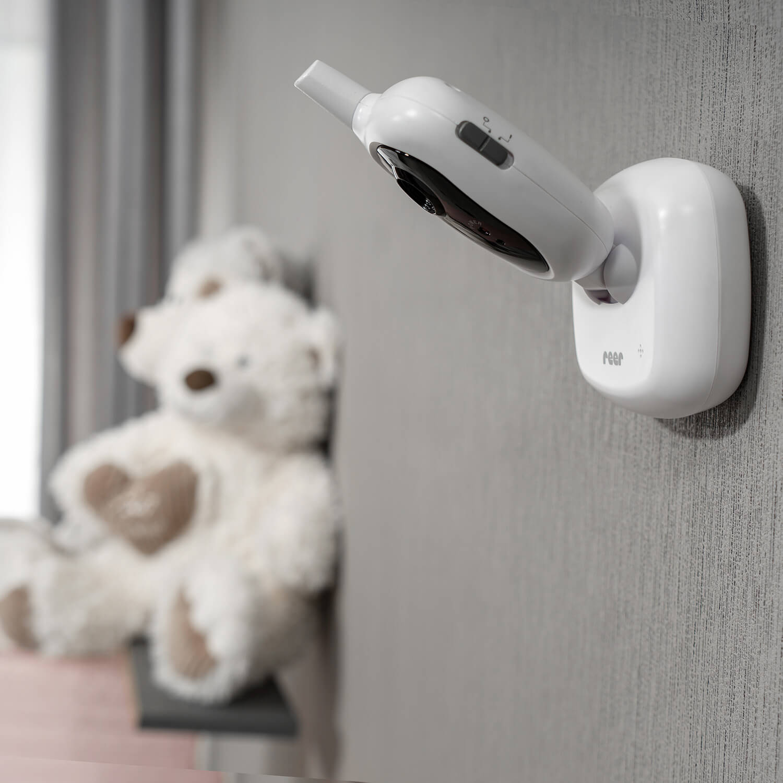 niania elektroniczna montaż na ścianie
